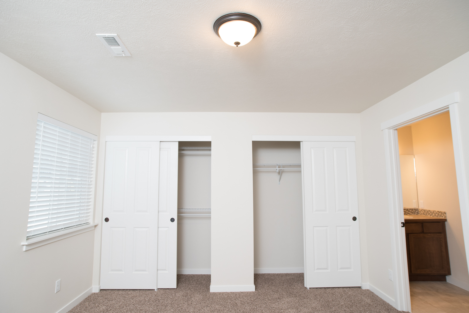 Virtual Tour Page • 55 in the Valley